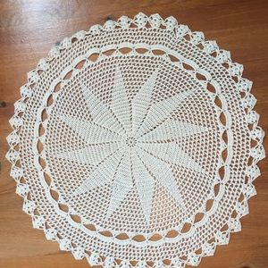 Hand crochet, mercerized cotton doily